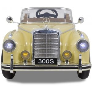 Mercedes 300s kidscar cream front view headlights